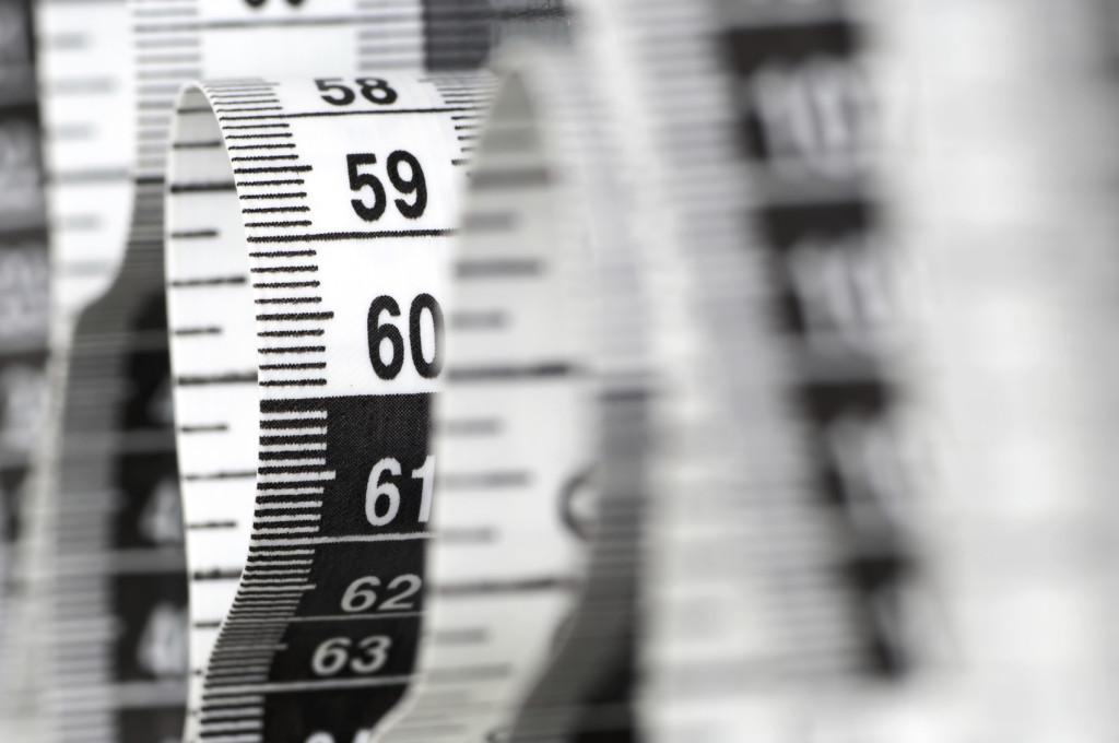 Program umożliwia wykonywanie różnego rodzaju pomiarów na wybranych obiektach. Istnieje możliwość filtrowania pomiarów, układania równań opartych na pomiarach oraz tworzenia zestawień atrybutów. Wykonane pomiary można wygenerować w formie raportu oraz wyeksportować do popularnych formatów typu: html, doc, xls